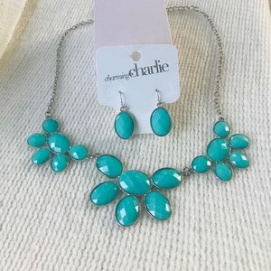 Charming Charlie necklace & earrings turquoise